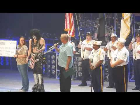 Kiss Take Shot At Colin Kaepernick - Honor Veterans, Say Pledge, Play National Anthem