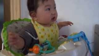 8ヶ月になった娘。どうやら高橋大輔選手がお好みのようです。