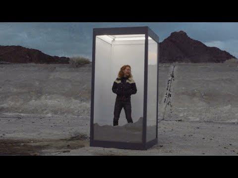 flor: slow motion [OFFICIAL VIDEO]