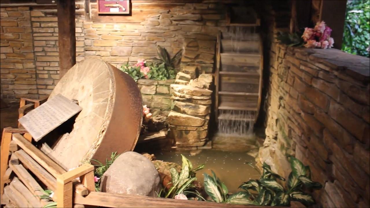Incroyable Secret Jungle Bathroom | George Washingtons Fireplace