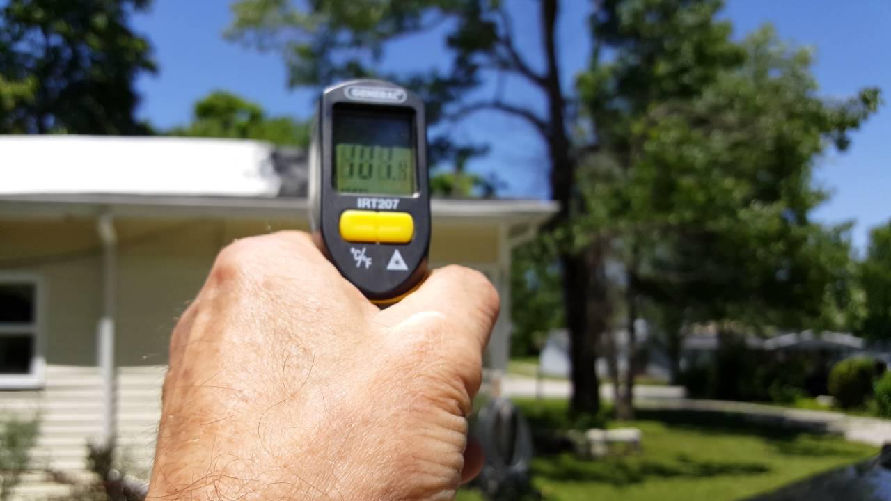 BLACK JACK 5 Gallon Elastomeric Reflective Roof Coating (10 Year Limited  Warranty)