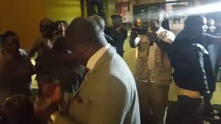 ÉLECTION PRÉSIDENTIELLE AU ZIMBABWE : LES PARTISANS DE LA ZANU-PF FÊTENT LEUR VICTOIRE
