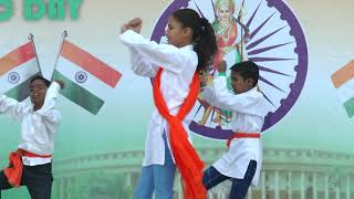 Suno Gaur Se Duniya Walo - HD English Medium School Republic Day Dance - 2018-19