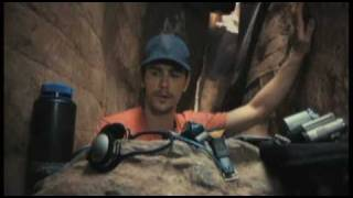 Watch the sneak peak for 127 HOURS, starring James Franco and direc...