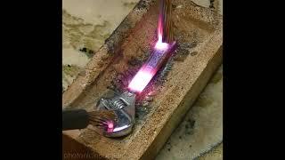 Apa jadinya jika sebuah kunci besi kesetrum listrik 5000 volt