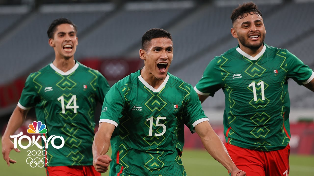 Japan tops Mexico 2-1, stays perfect in men's Olympic soccer