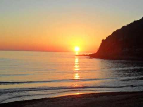 Un tramonto sulla spiaggia di poglina villanova monteleone for Disegni della casa sulla spiaggia