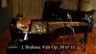J. Brahms waltz nº 15 Op. 39 - Paula & Fabiana Chávez, piano 4 hands.