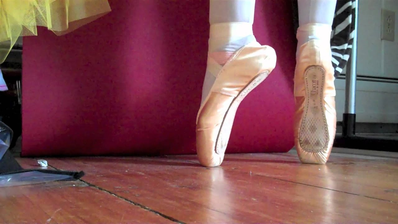 how to put on pointe shoes