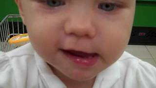 1 year old sings Baby by Justin Bieber.