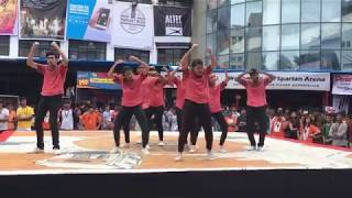 Gambar cover Street Dance Winners of Umang 2016 | Choreography by Yash Trivedi | Must Ache Family