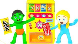 KIDS PLAYING WITH A VENDING MACHINE ❤ SUPERHERO PLAY DOH CARTOONS FOR KIDS