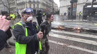 Cry of despair of a woman yellow vest. Paris/France - 1er Décembre 2018