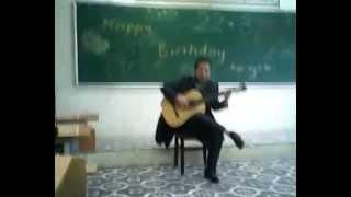 Thầy Giang đánh guitar !!! ^_^