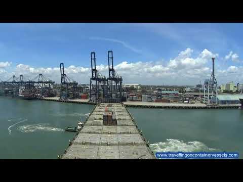 Container vessel leaving the port of Dar es Saalam, Tanzania