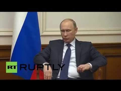Russia: Hollande meets Putin in impromptu visit to discuss Ukraine