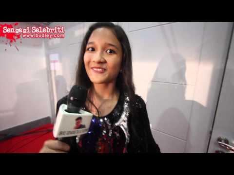 Fesyen Khayreesyah Vs Mia Sara Nasuha Di Anugerah Lawak Warna 2015