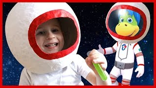 Играем в космические гонки. Ракета своими руками. Растишка.