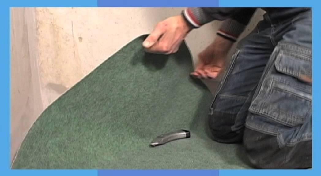 Praxis laat zien hoe je eenvoudig vloerbedekking kunt verwijderen