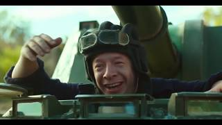 Ржачный отрывок из фильма Жених Светлаков Фашист Танк на Берлин Парад