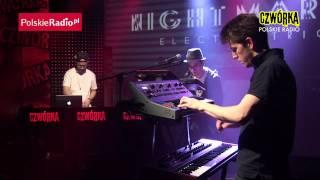 Night Marks Electric Trio: Love Theories (Czwórka)