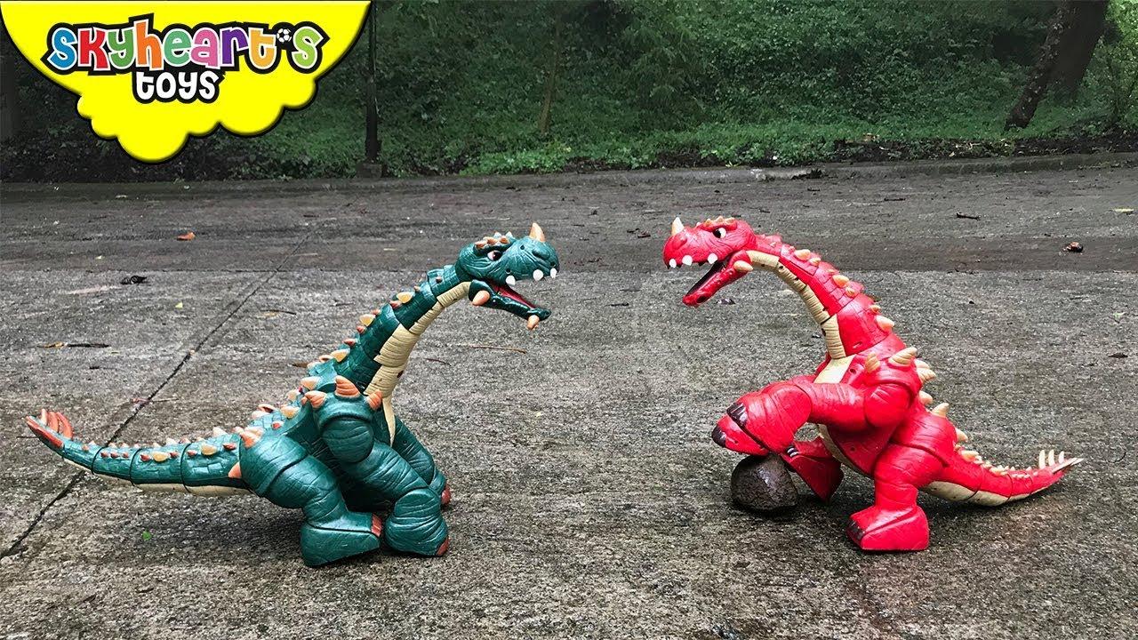 DINOSAUR FIGHT Part 2   Red vs. Green Apatosaurus Battle ...