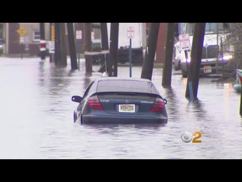 New Jersey Street Flooding Catching Unaware Drivers
