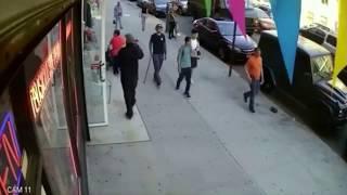 VIDEO: Tiba-tiba Diserang Brutal Oleh Remaja, Takjub Liat yang Dilakukan Kakek Tua Ini Selanjutnya