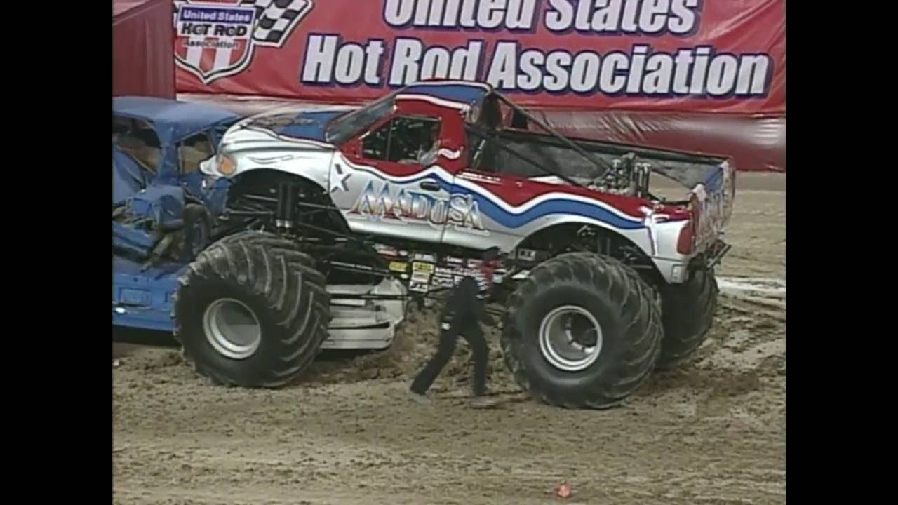 Freestyle Madusa Monster Jam World Finals 2002  YouTube