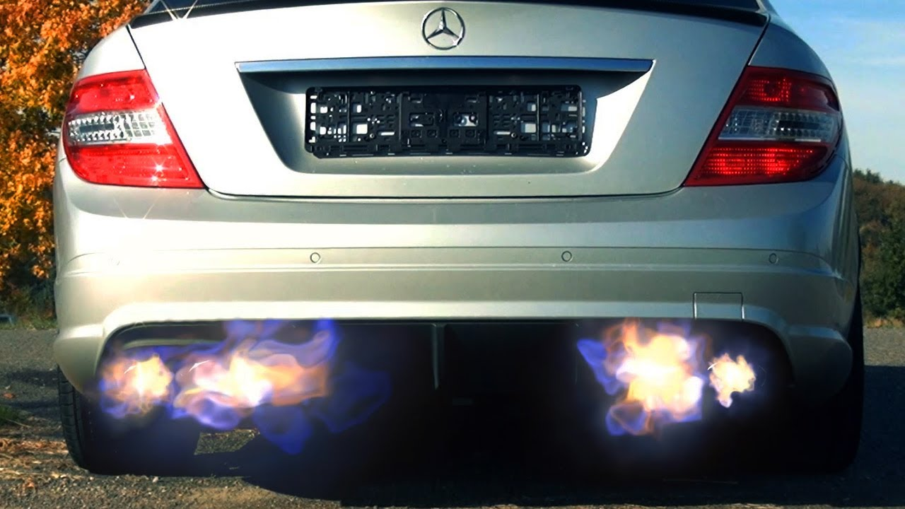 Mercedes C63 Amg Flames Exhaust Flammen Revving Sound