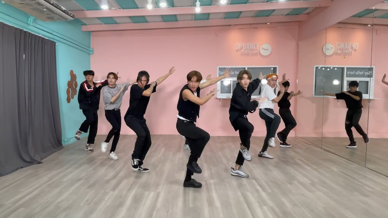 """Stray Kids """"THUNDEROUS"""" (소리꾼)   Dance Practice Cover By DIVINIZE from THAILAND"""