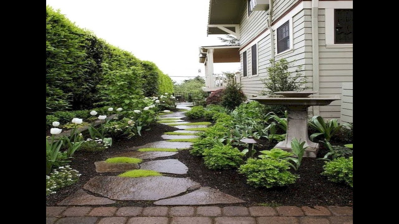 simple farmhouse landscaping front