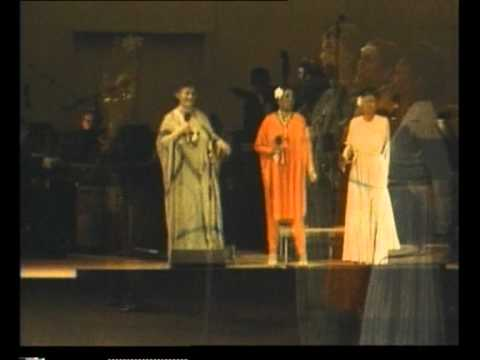 Nina Simone, Esther Phillips, Carmen McRae, Maxine Weldon, Morgana King sing Billie Holiday finale.