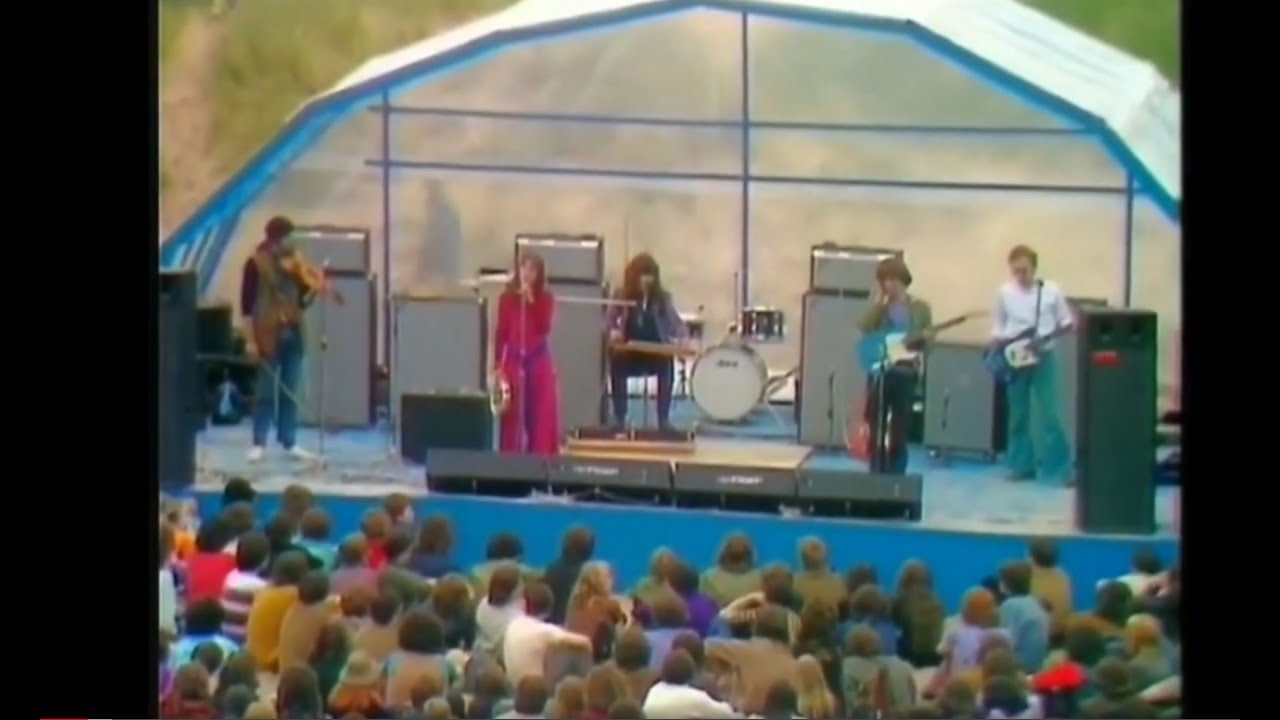 Download Steeleye Span at Ainsdale Beach on 30 June 1971. Full performance in high quality.