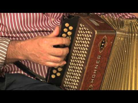 Traditional Irish Music from LiveTrad.com: Shoot The Crows Clip 4