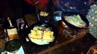 Roadside Bread Omelette   Delhi Street Food   Delhi Bread Omlett   Street food India