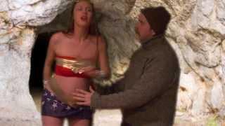 Video Pregnant Wonder Woman download MP3, 3GP, MP4, WEBM, AVI, FLV Juni 2018