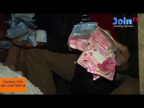Heboh warga temukan uang sekarung