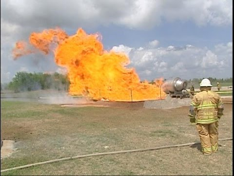 Industrial Fire World LNG Fire Training