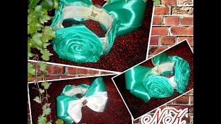 Резинка на пучек, гульку с розами из атласной лент