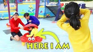 워터파크 물놀이터에서 숨바꼭질 놀이 해요!! 미끄럼틀 100번 타기 도전!! 괌 PIC 리조트 수영장 물놀이 kids waterpark