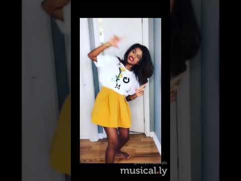 Sakiyea Sakiyea hot | cute girl musically | dubsmash | hot song |tamil girls dubs || Marys musicals