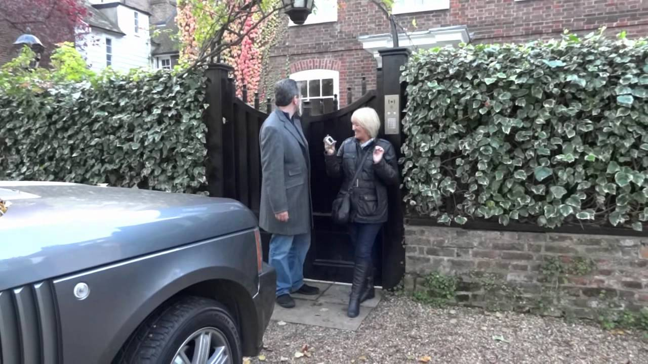 George Michael Leaving His Home For The Royal Albert Hall Youtube
