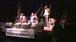 Carolina Chocolate Drops  Cornbread and Butterbeans  10-23-2010 Monmouth IL