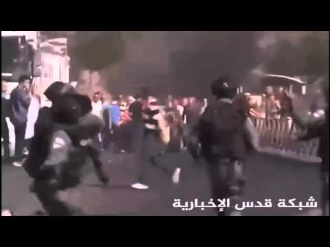 Arabs try to lynch an Israeli undercover cop