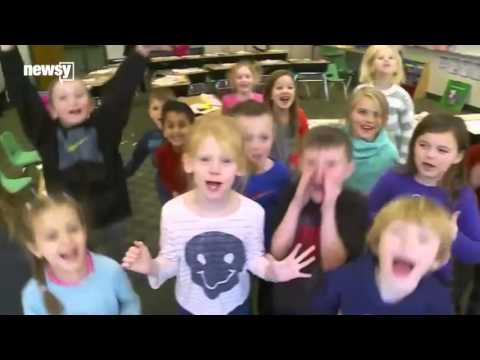 Kids Try to Cheer Up Blair Walsh After That Field Goal Fail