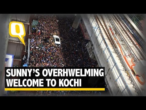 Sunny Leone Arrives at Kochi to An Overwhelming Welcome - The Quint