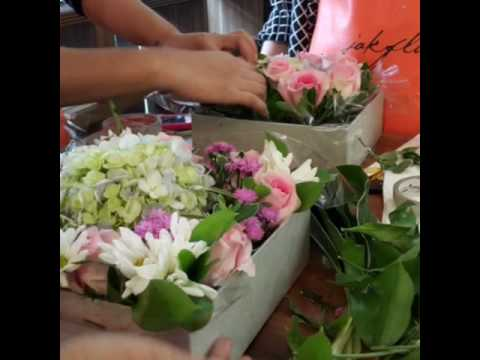 Floristry Workshop Jakarta - Flower Box by Jakflo Floral Academy