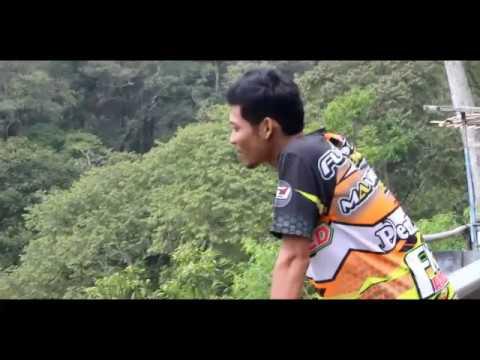 Story Guyon Waton