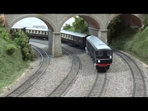 HM125: Kernow Model Rail Centre Bulleid 1-Co-Co-1 diesel for 'OO'